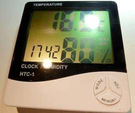 HTC-1 desktop temperature and RH% humidity meter