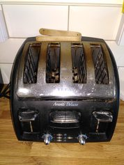 toaster 4 slice well used Tefal Avanti Delux 2 DHD